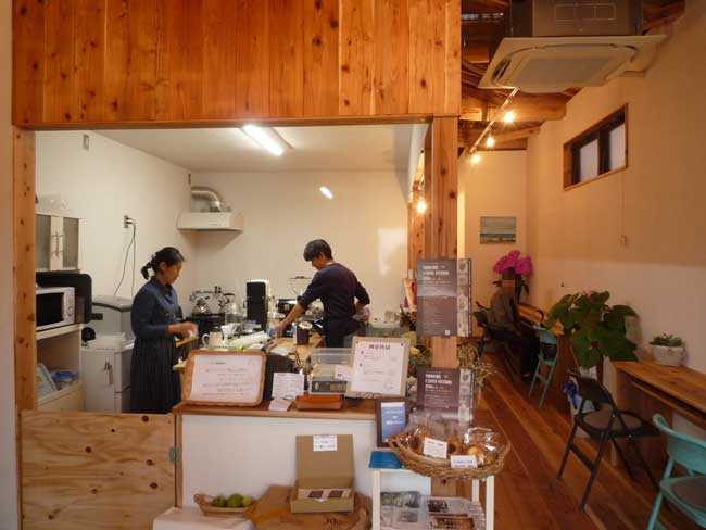 TAISHO COFFEE ROASTER 店内